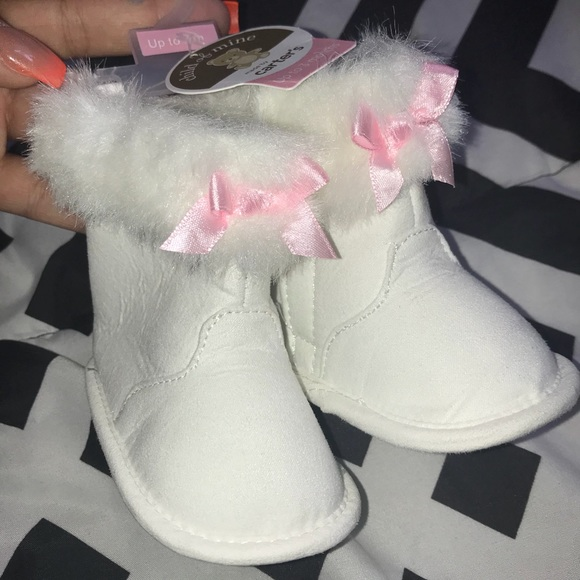 c04c40a8cda59 NEW! Baby girl booties 0-3 months NWT